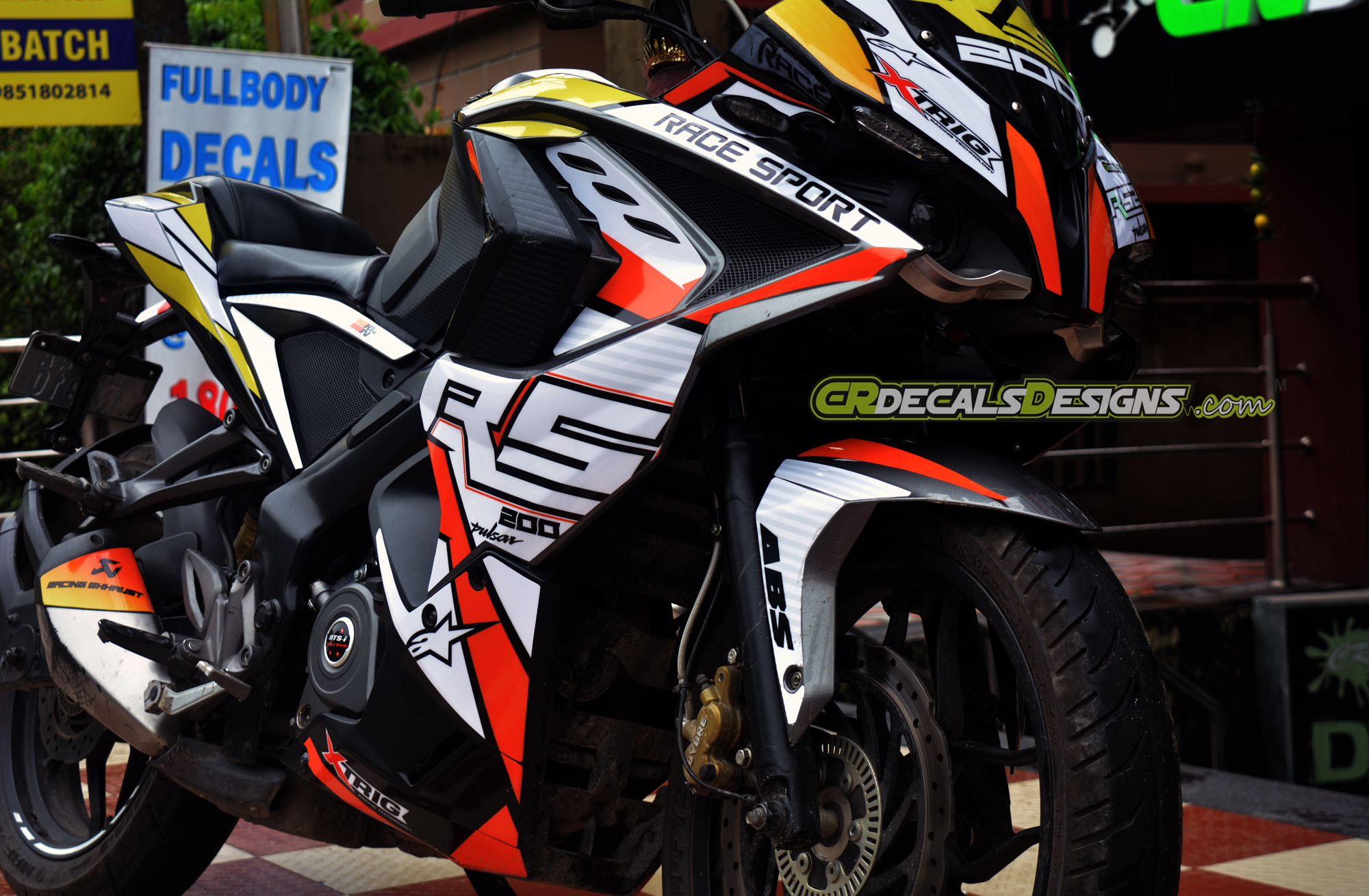 Pulsar rs 200 price